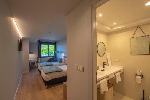 Doppel-/Zweibettzimmer mit Bergblick - Einzelnutzung IXUA hotela 8