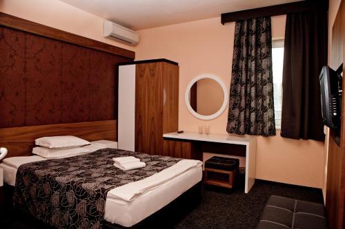 . Hotel Serdica