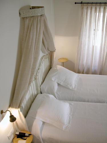 Habitación Doble (2 adultos + 1 niño) Hotel Puerta de la Luna 9