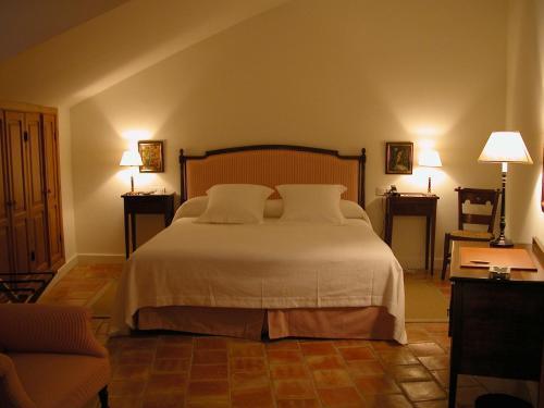 Comfort Doppelzimmer Hotel Puerta de la Luna 11