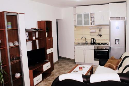Apartment Sea Line In Kotor Provides Accommodation With Free Wifi 1 3 Km From Clock Tower Gate Main Entrance And