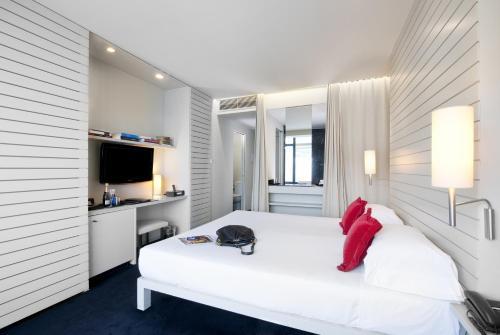 Habitación Doble con paquete Guggenheim y vistas a la ciudad - Uso individual Hotel Miró 33