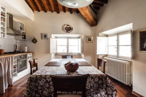 . Lucca sui tetti