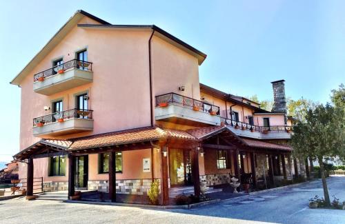 . Hotel Ristorante La Madia