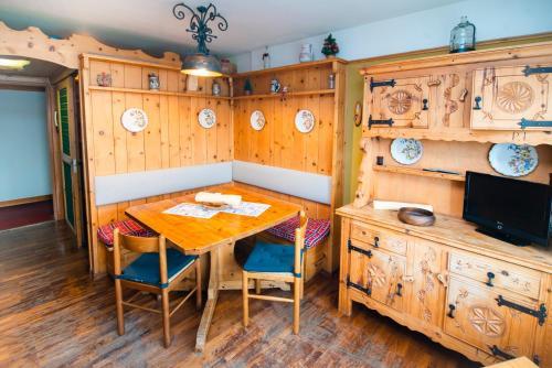 . Cozy Apartment