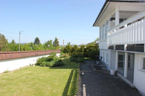StayPlus Holiday Apartment With Patio - Hotel - Kristiansand