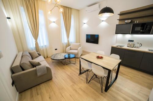 . Premium Apartments
