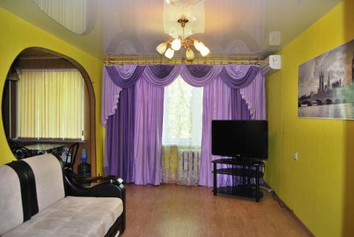 . Apartment on Maksimovskogo