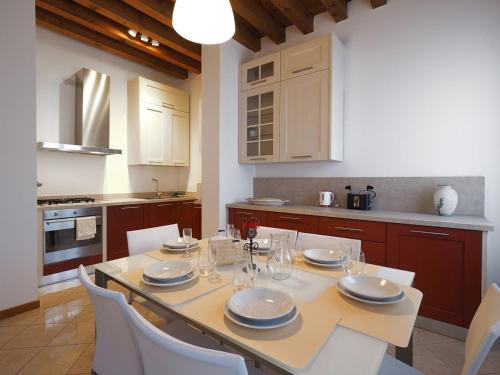 Cannaregio - Venice Style Apartments - image 5