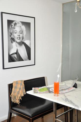 Broadway Hotel & Suites photo 48