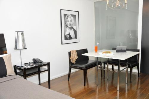 Broadway Hotel & Suites photo 49