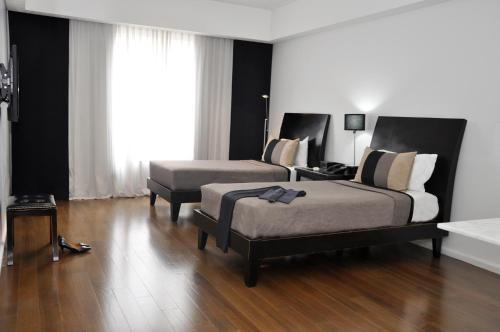 Broadway Hotel & Suites photo 63