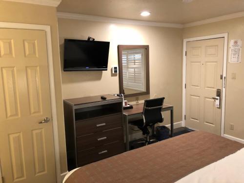 El Castell Motel - Monterey, CA CA 93940