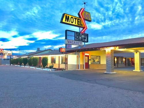 . 66 Motel