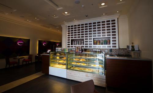 City Seasons Al Hamra Hotel photo 2