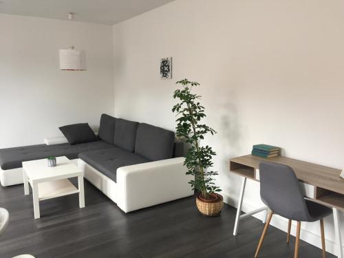 Rozmaring Apartman Pécs, Pension in Pécs