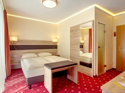 Hotel Kriemhild am Hirschgarten photo 85