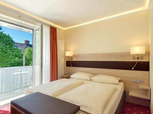 Hotel Kriemhild am Hirschgarten photo 41