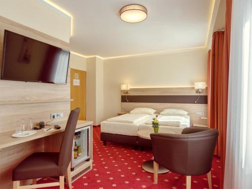Hotel Kriemhild am Hirschgarten photo 42