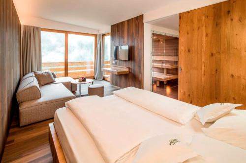 Panorama Suite with Sauna