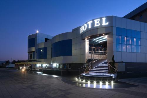 . Hotel Ženeva Lux