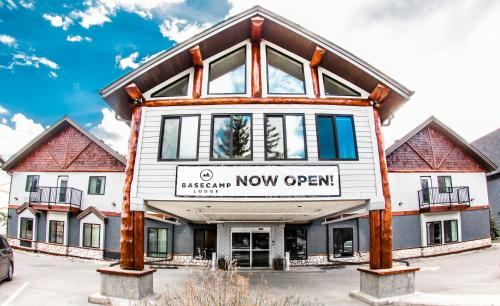 Basecamp Lodge Canmore - Canmore, AB T1W1N6