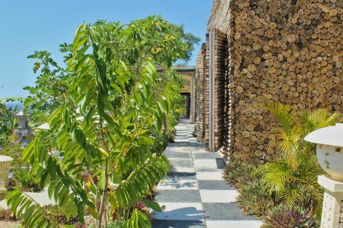 Kabeh Jati Garden Villa & Restaurant