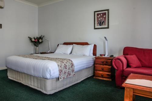 Фото отеля Maynestay Motel