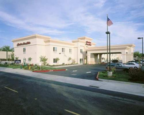 Hampton Inn & Suites Sacramento-Auburn Boulevard - Sacramento, CA CA 95821