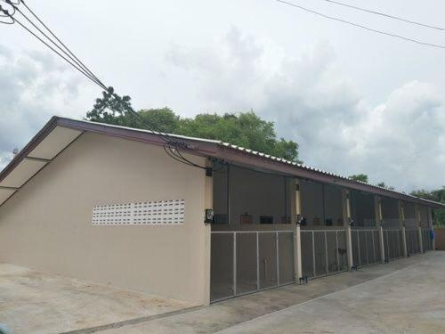 Triple S House At Laem Ngop