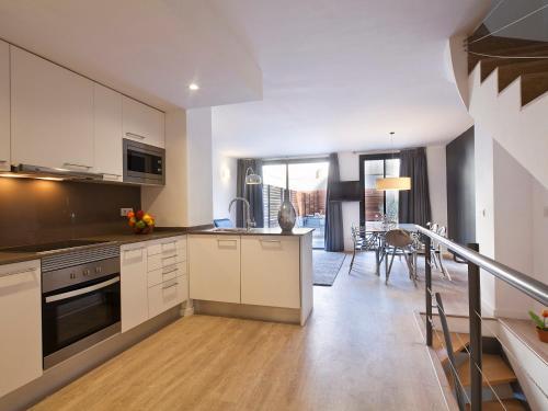 AB Girona Apartments photo 2