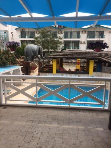 Side Safari Suit Hotel indirim
