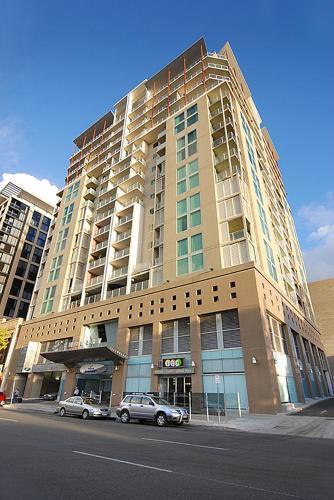 . La Loft Apartments North Terrace