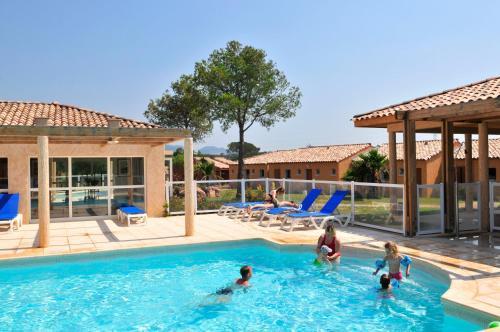 Residence Goelia Le Village Azur