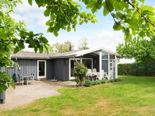 Three-Bedroom Holiday home in Juelsminde 7 in Juelsminde
