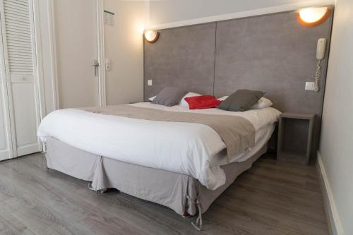 Panam Hotel - Place Gambetta impression