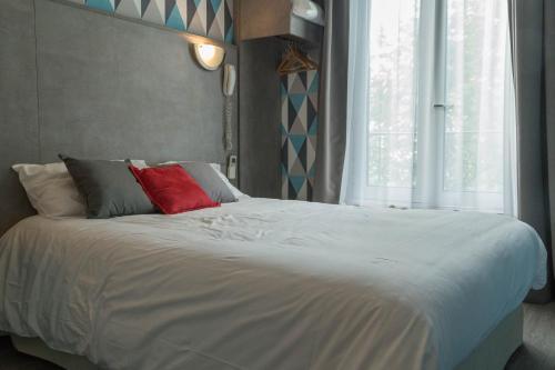 Panam Hotel - Place Gambetta photo 27