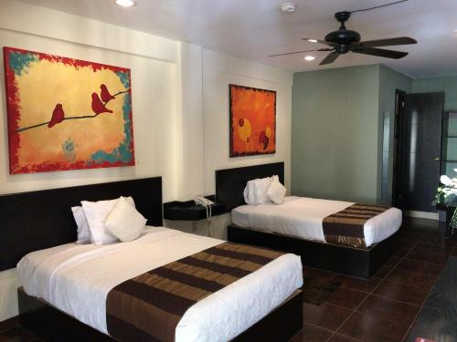 Hotel Paseo Palmas