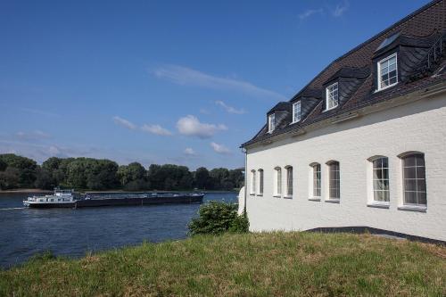 Schnellenburg photo 9