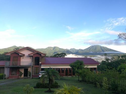 . La Cabaña Lodge
