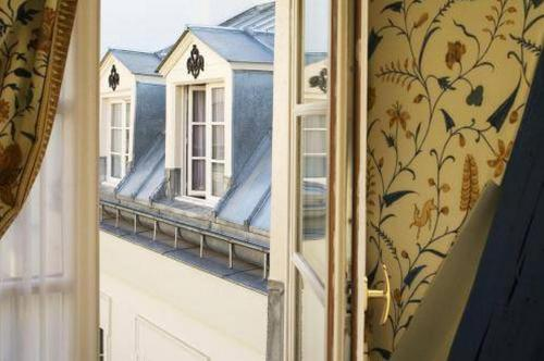 6 Rue Constance, Paris, 75018, France.