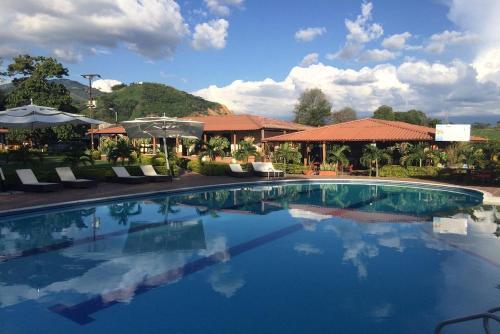 . Finca Hotel Yerbabuena