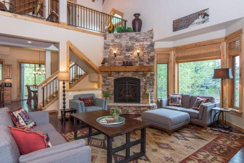 Berghaus Lodge North Townhouse - Steamboat Springs, CO 80487
