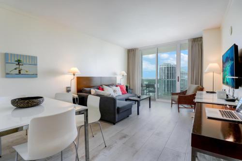 Coconut One Bedroom Apartment - Miami, FL 33133