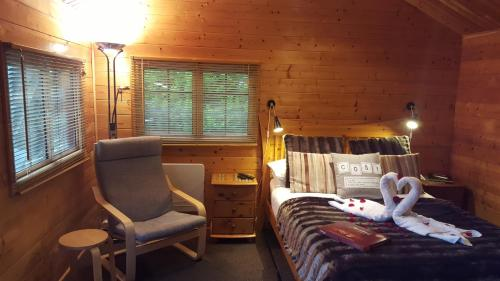 Log Cabin (2 Adults)