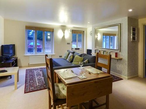 Outstanding Best Price On Tillows Cottage Cirencester In Bibury Reviews Interior Design Ideas Gentotryabchikinfo