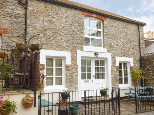 1 Old Mill Court, Brixham