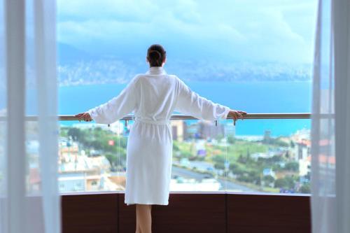 . BURJ ON BAY Hotel