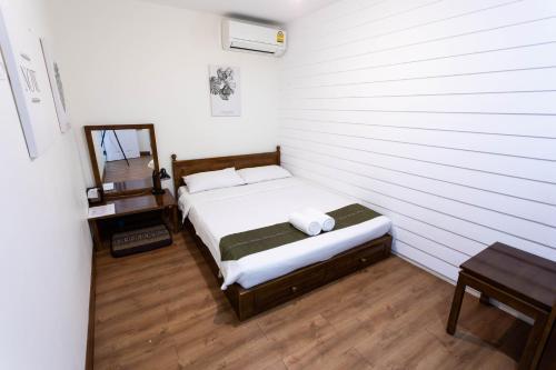 Tini Kati Hostel photo 56