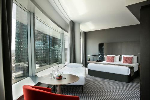 The Level グランドプレミアム エッフェル塔ビュー 大人3名用 (The Level - Grand Premium with Tour Eiffel View (3 Adults))